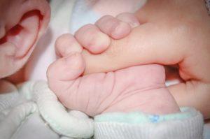 「ちょっと理系な育児」から学ぶ母乳育児・断乳のタイミングとは